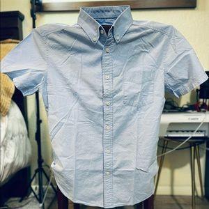 Men's MOSSIMO short sleeve MEDIUM size light blue…lightly used…handsome style